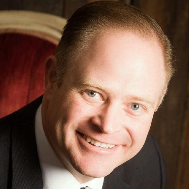 Cosmetic dentist Dr. Max Molgard based in Spokane WA